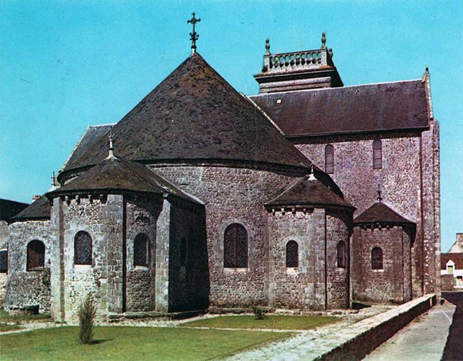 absides et absidioles de Saint Gildas de Rhuis, dans le Morbihan